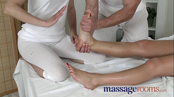 Massage Rooms Zuzana Loves Her Juicy Hole Filled In Oily-pic5514