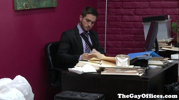 2018-11-11 15:20:16 - Gaysex office hunk squirted with cum 6 min  HD http://www.neofic.com