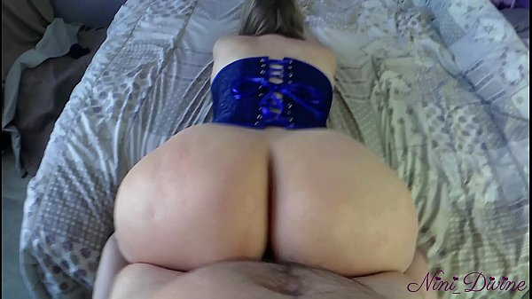 I fuck her big ass during containment in France against the coronavirus! Couple Amateur Nini Divine! Thumb