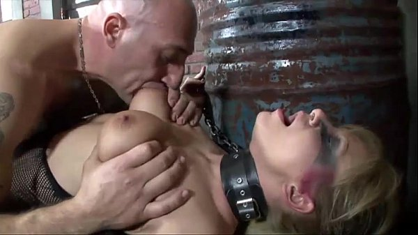Chained up fetish girl gives a blow job before to be buggered Thumb