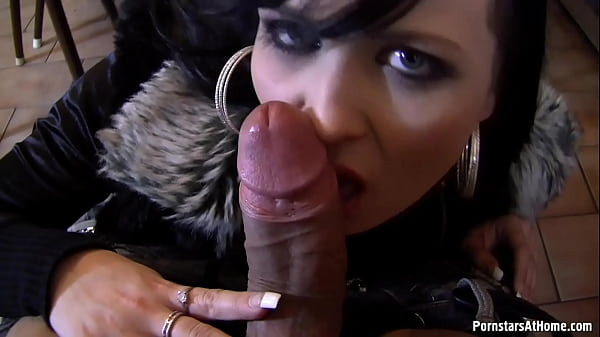 The no fear queen on public blowjobs