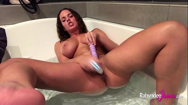 Natural tits Pawg Rahyndee bath tub sex toy fun fucking self Thumb