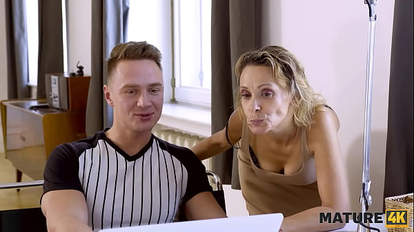 MATURE4K. Pornstar invited repairman to be amazingly nailed by hung stud