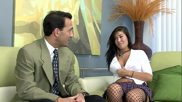 London fucked on a couch in fishnet stockings Thumb