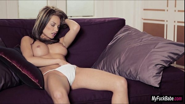 Nici Dee takes her time to rub her pussy til she orgasms