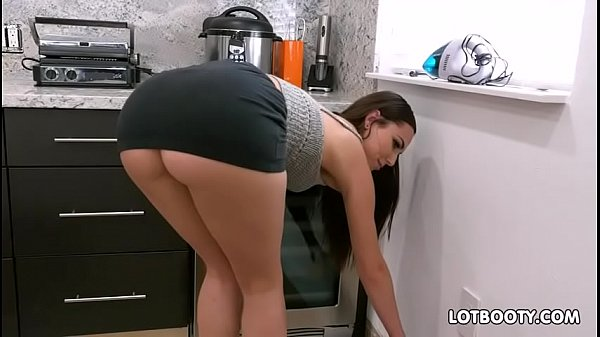 Gorgeous brunette big ass babe Aidra Fox fucks handy man Thumb