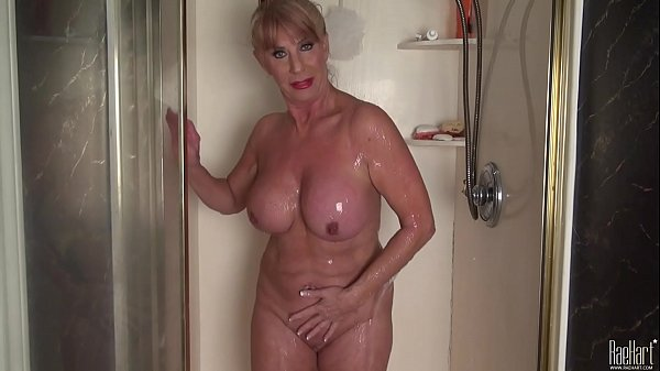 Mature woman in the shower Thumb
