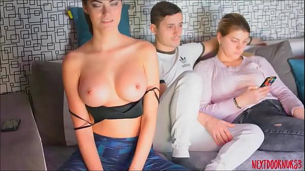 Смотреть как мастурбируют скрытой камерой женщины