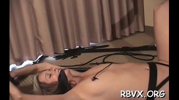 Stupefying lady is drilling her tight quim