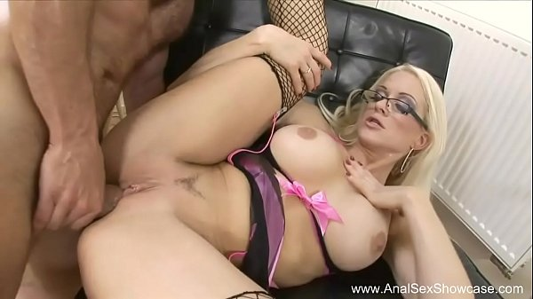 Porn 300 Anal Blonde From France Voila