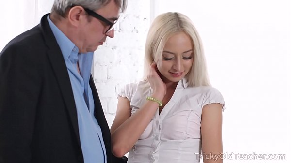 Tricky Old Teacher - Old man tastes juicy pussy of a blonde