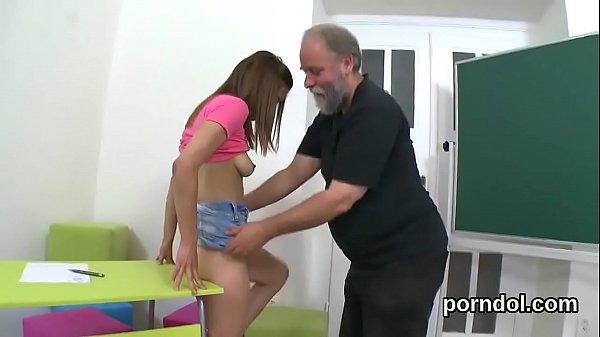 Порно комиксы инцест папа и дочь