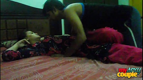 Desi young boy and girl hot Night sex Thumb