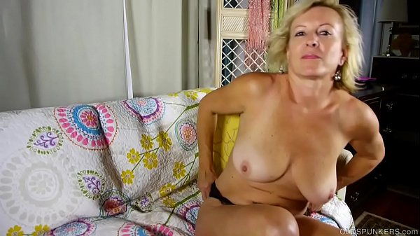 Super sexy old spunker loves to talk dirty and ...