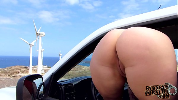 Crazy College Chick Fucks In The Car! Thumb