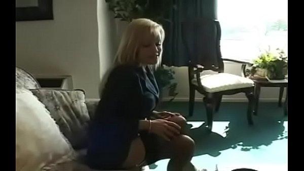 Смотреть порно видео негритос залез на колготки зрелой мамы