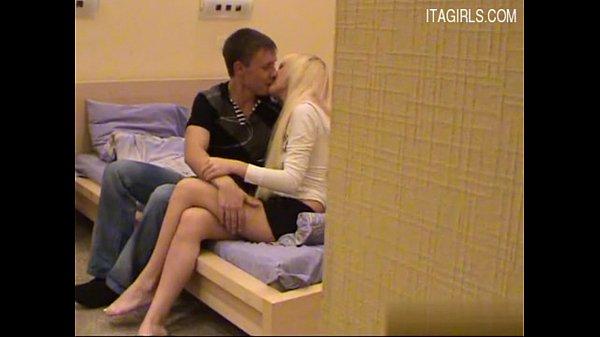 Смотреть как двое мужчин трахают одну женщину