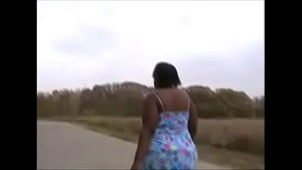 В трусиках мулатки с большимипопками