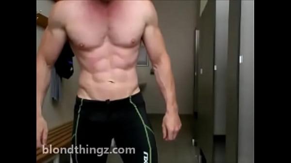 2018-12-30 01:01:16 - Compression Shorts Gym Locker Room Ripped Bodybuilder Zak Rogerz Video 33 sec  http://www.neofic.com