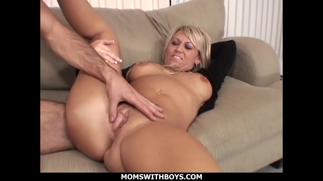 Hot Blonde Mom Gets Fucked