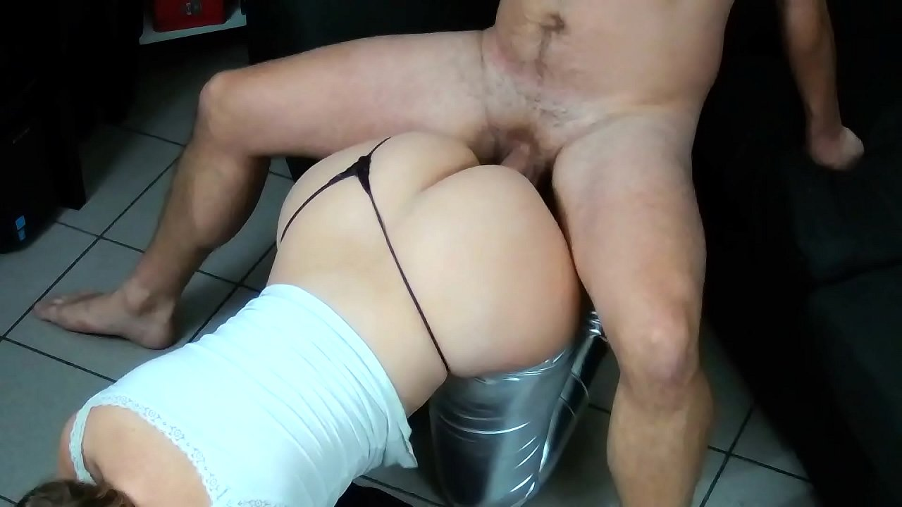 French Milf Amateur With Huge Ass Fucks After A Hot Party !  - 10