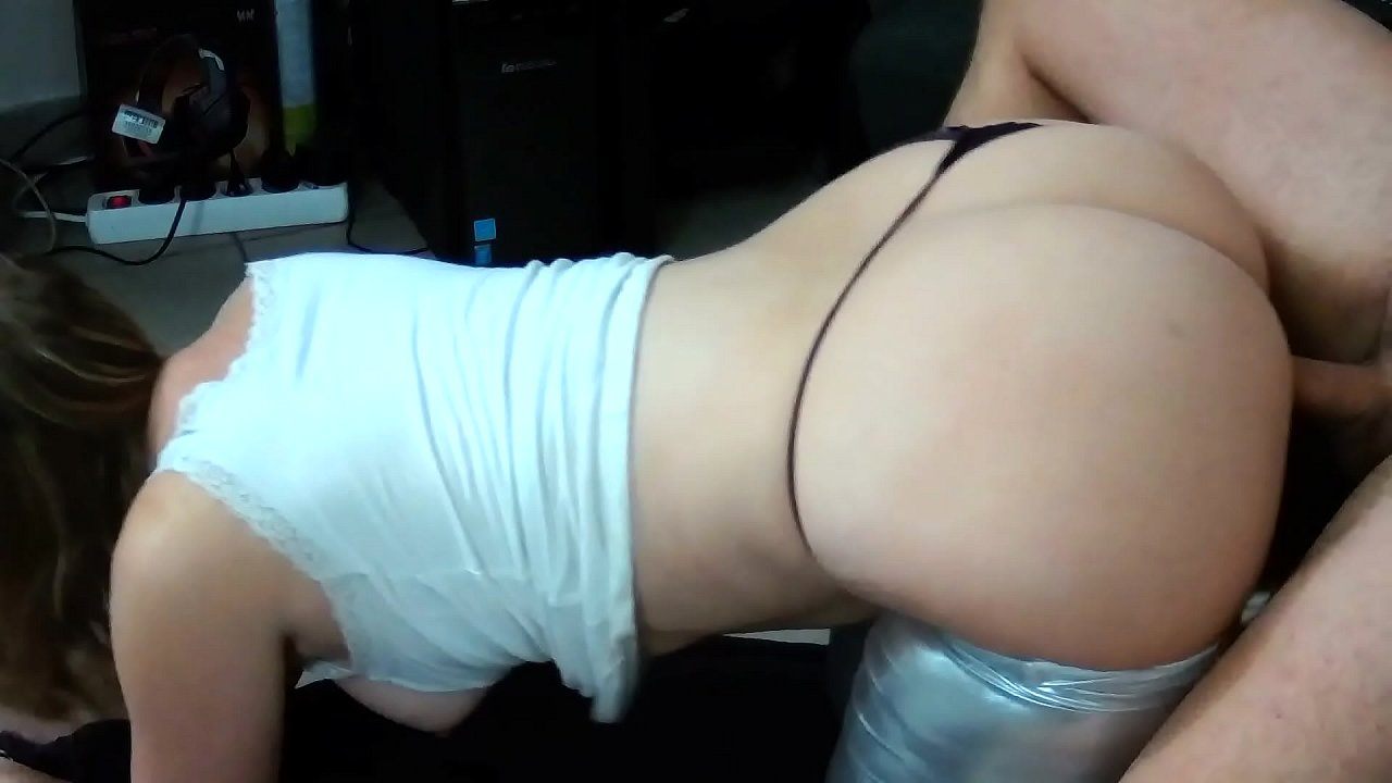 French Milf Amateur With Huge Ass Fucks After A Hot Party !  - 15