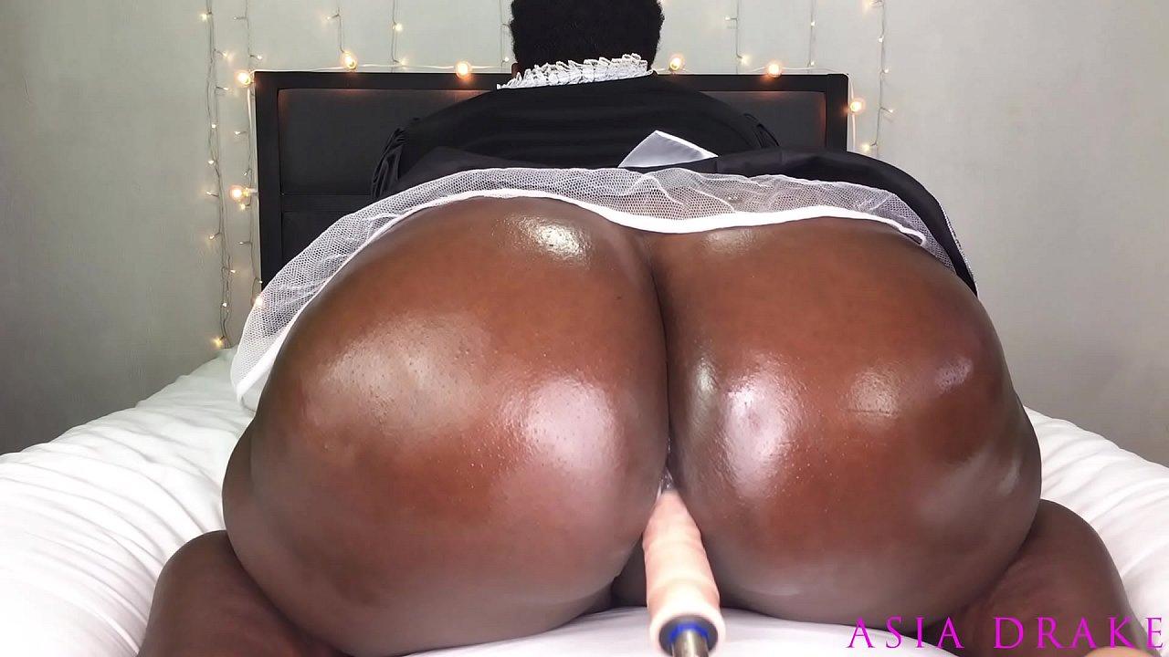 Thick Ebony Milf Twerking