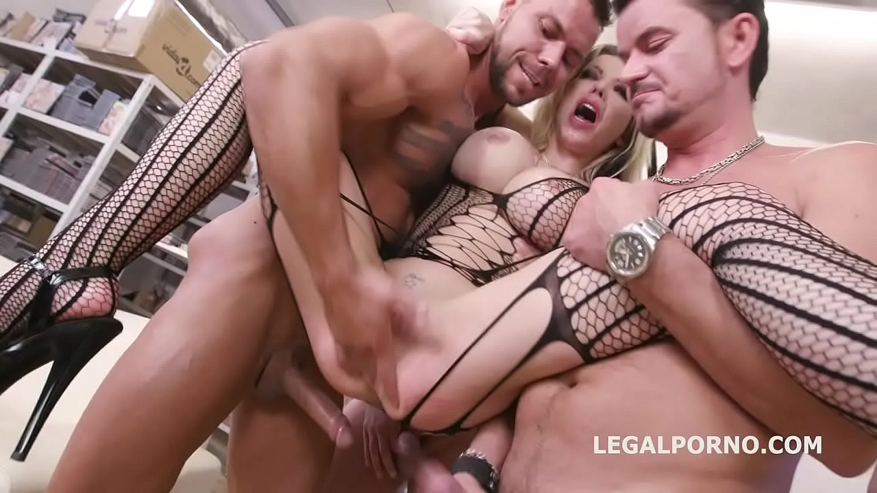 Anal Festial Porno En Vivo caged, barbie sins used for sex with balls deep anal, squirt