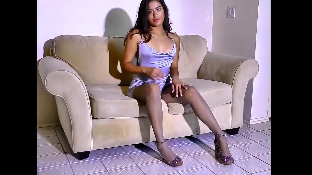 Vaping Latina flirts at her interview