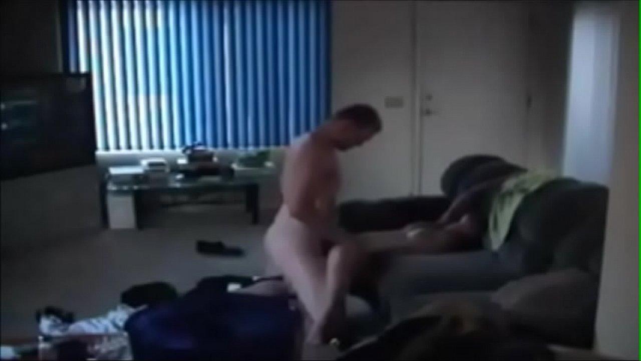 Скрытое порно с другом мужа