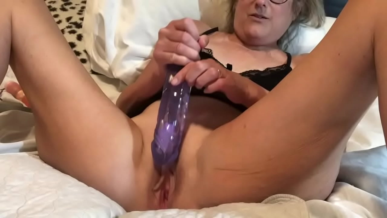 Busty Curvy Milf Masturbation