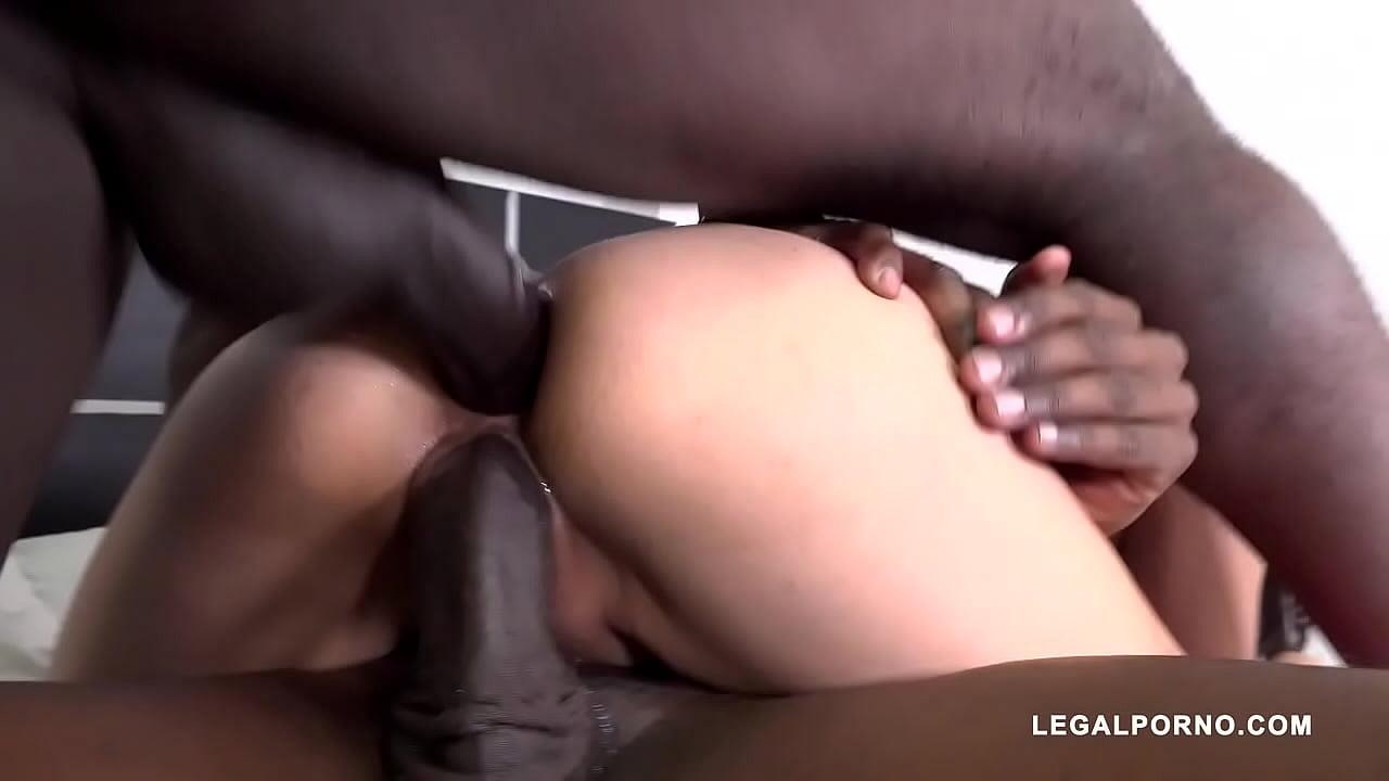 Marian Maldonado fucked by black bulls IV398 75 sec 720p