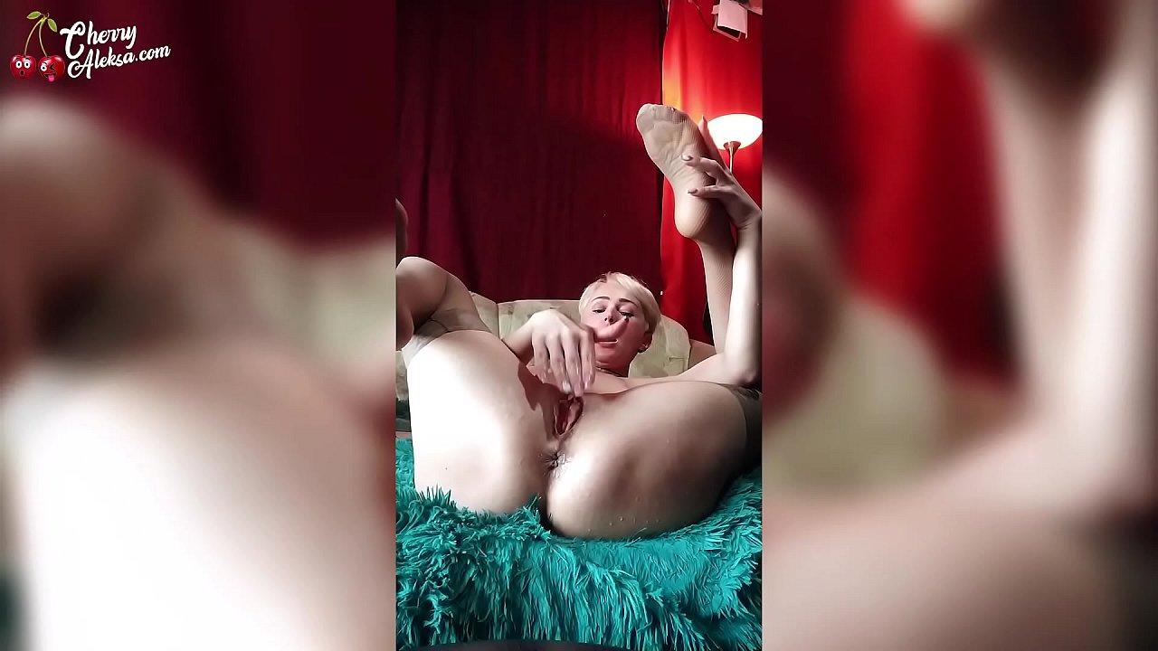 Huge Tits Masturbation Squirt