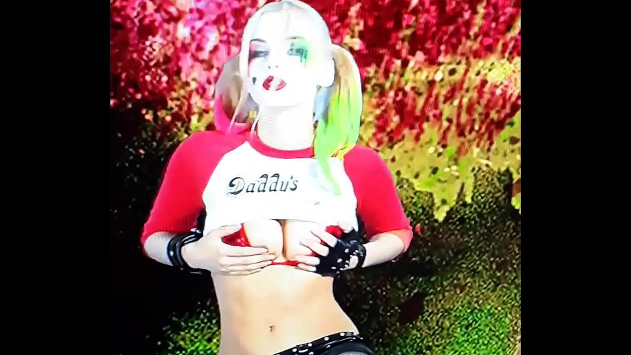 Harley Quinn Cosplay Solo