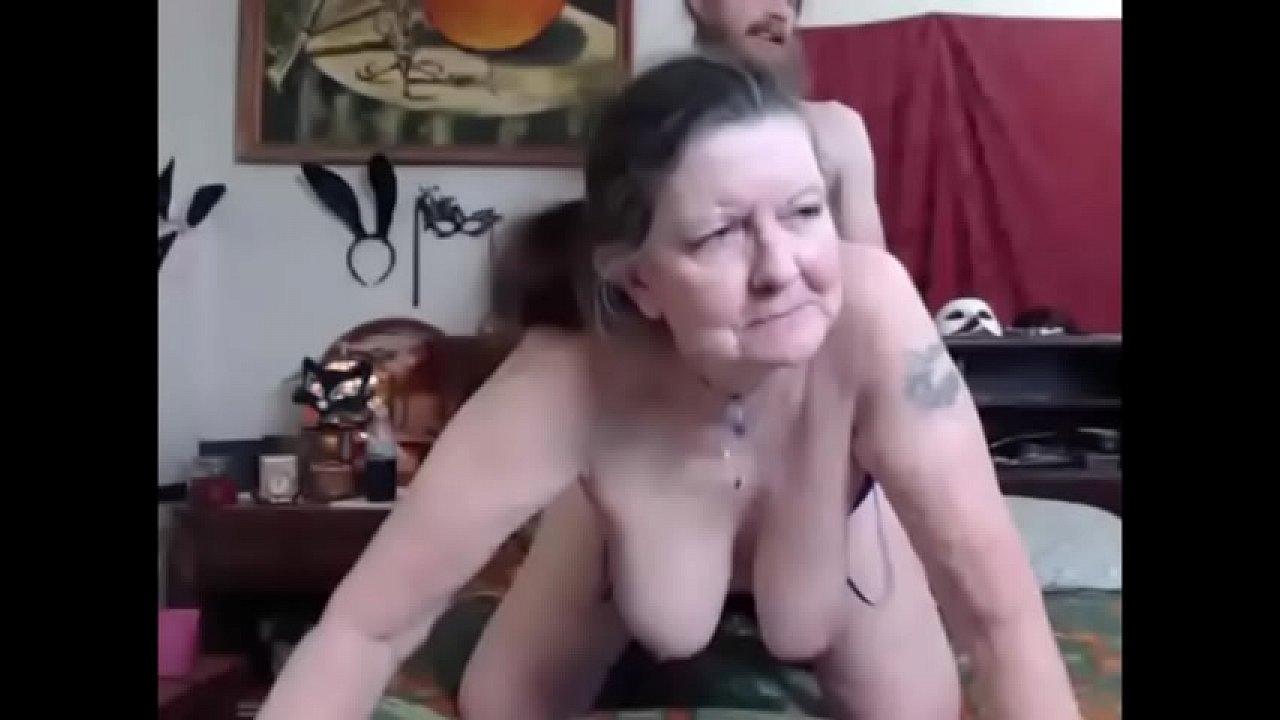 Abuela Y Joven Porno mi anciana abuela penetrada en su cuarto - xvideos