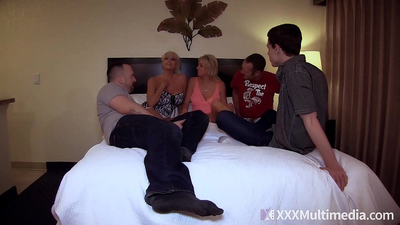 Mommy Has An Orgy With Son and His Friends feat Payton Hall  thumbnail
