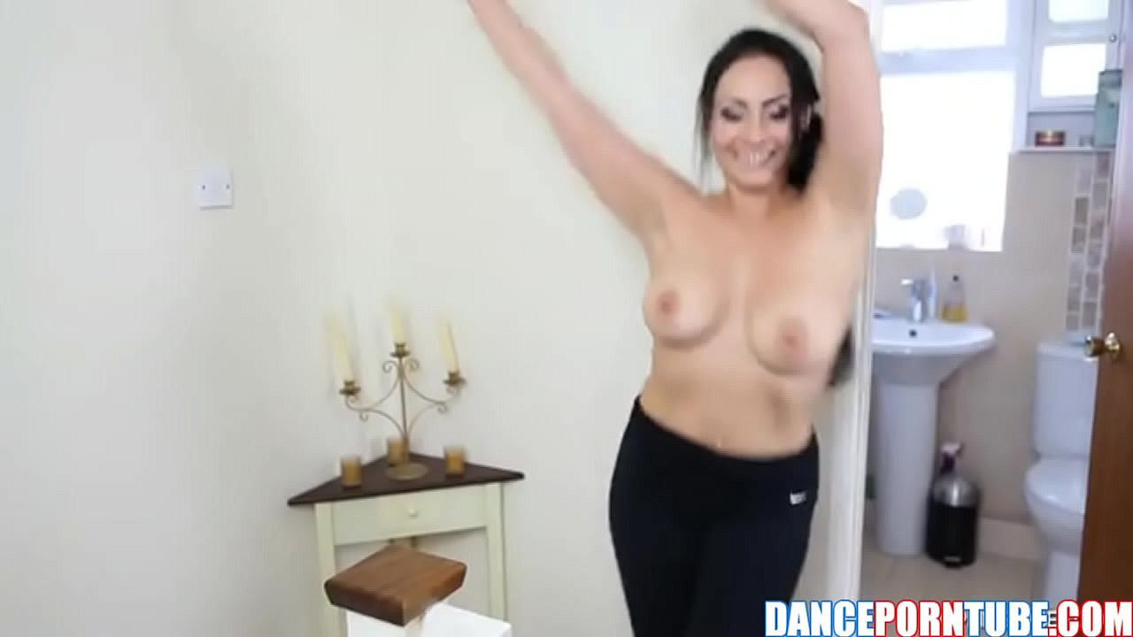 Actriz Porno Islandesa busty milf dancing naked - xvideos