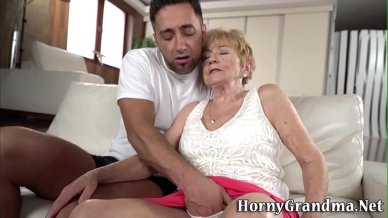 Mature Gets Fingered Orgasm