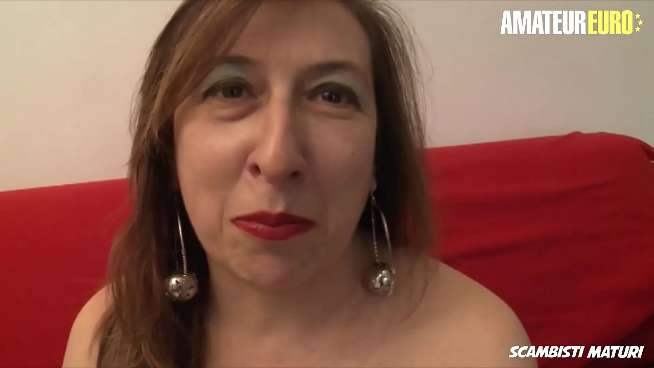 AMATEUR EURO - Mature Wife Veronica Rossi Takes Anal From Husband On Cam