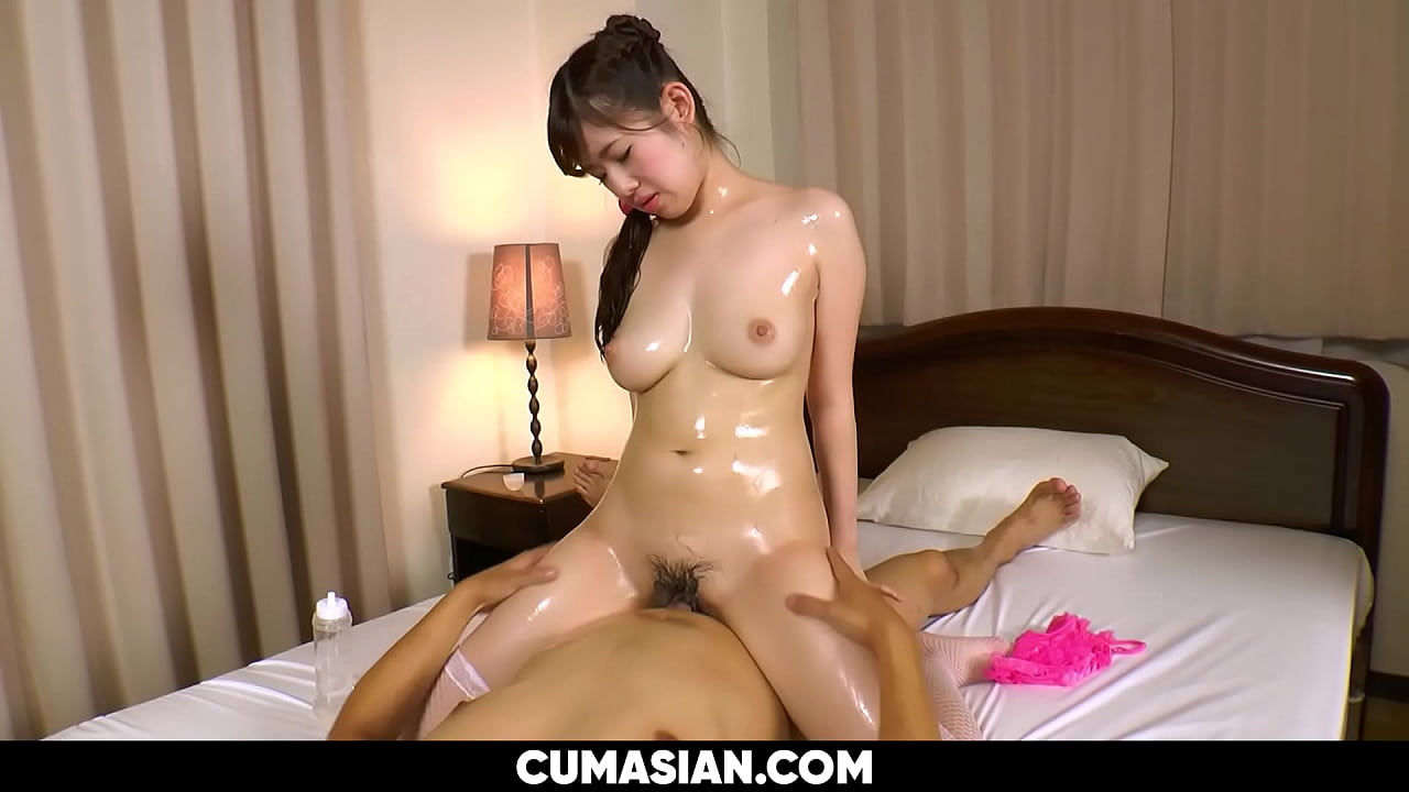 Japanese Milf Gives Oily Massage   Uncensored