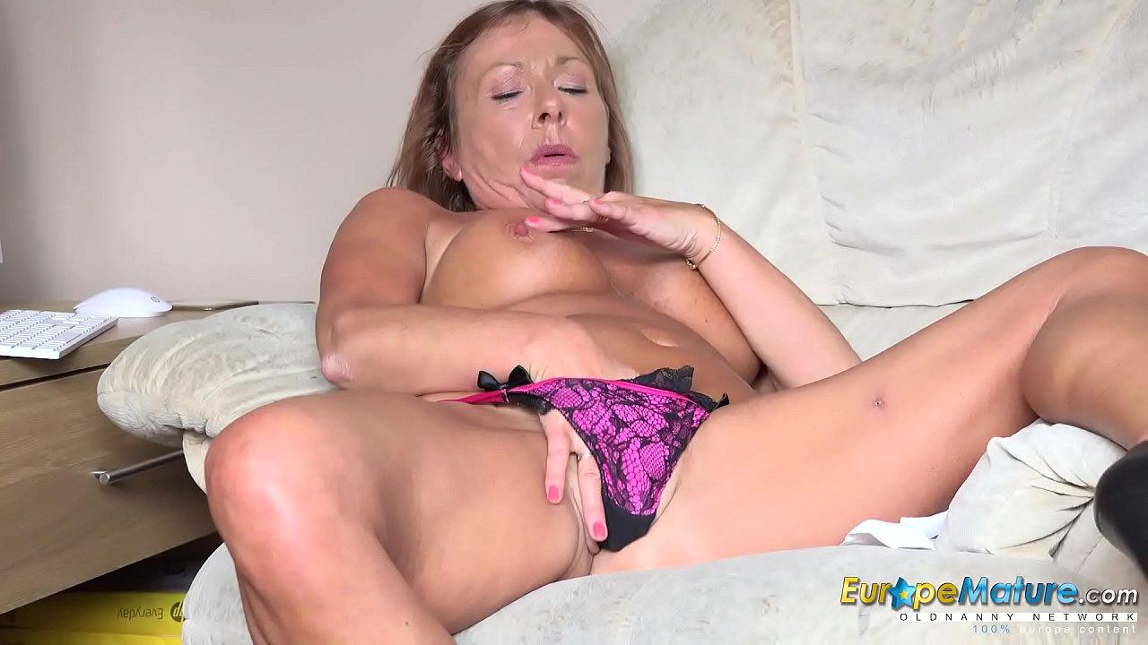 Beautiful Big Tits Solo Cam