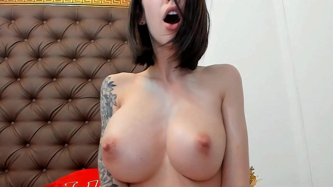 Natural Big Tits Bouncing