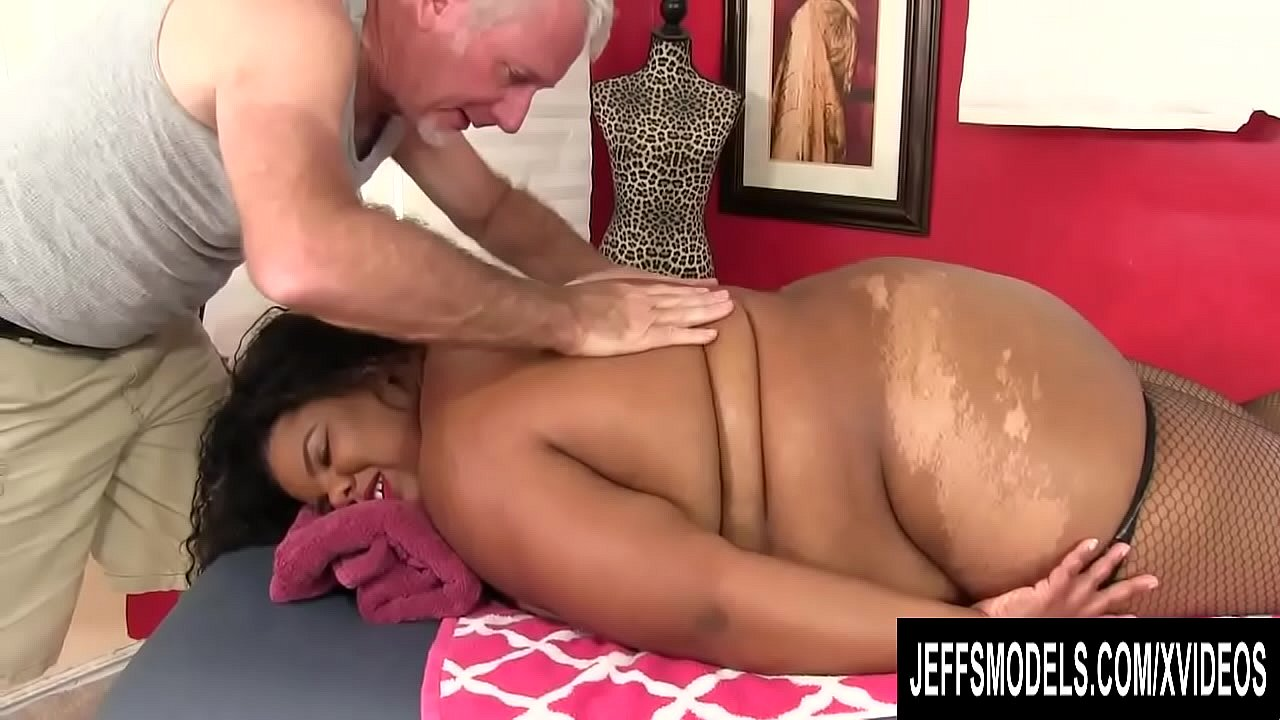 A Sensual Massage for Fat Ebony Peaches Love Ends with an Orgasm