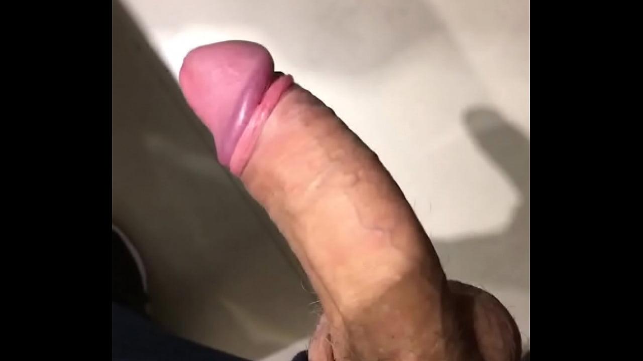 Alguém quer mamar?