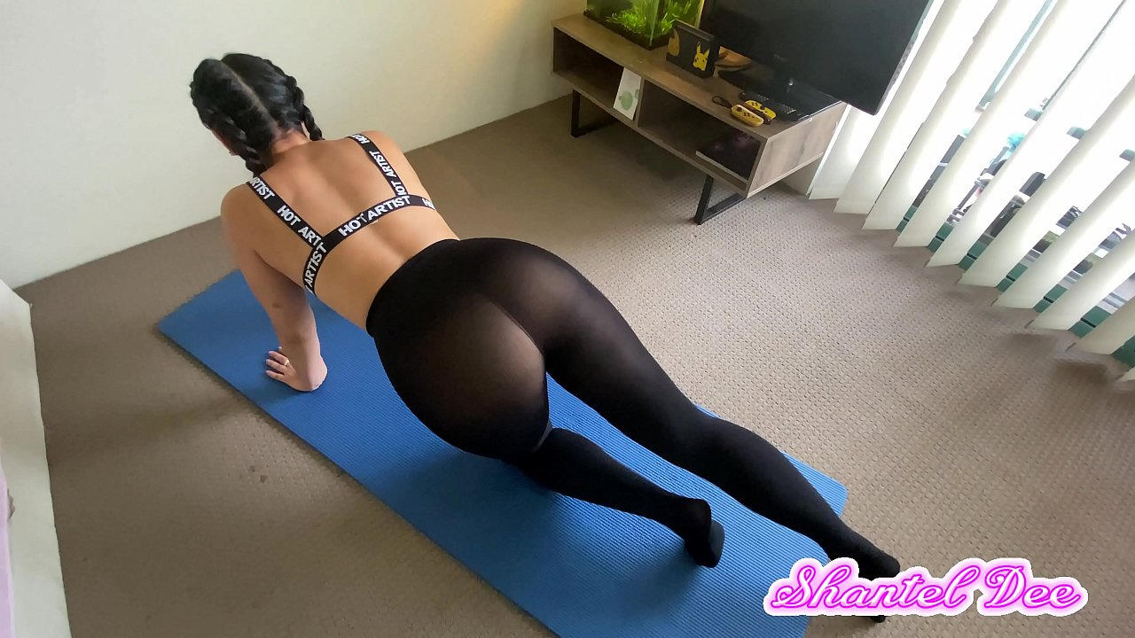 69 Con Leggins Porno pawg caught working out in transparent leggings. grope touch