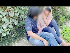 Hijab desi girl fucked in jungle with her boyfr...