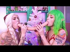 Christmas Elves play with double dildo & cherry...