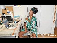 Yanks Ebony Lola Rose Toys Her Twat
