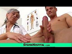 Hot mature lady giving a handjob feat. dirty do...