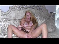 Sexy Blonde MILF Nikki Naked Dildo Fuck